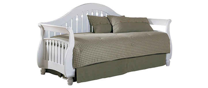 Fashion Bed Group Fraser White Daybed